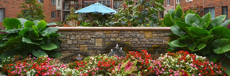 courtyard garden at Friendship Village of Dublin